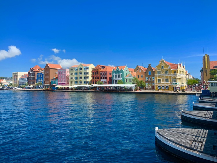 pontoon bridge curaçao