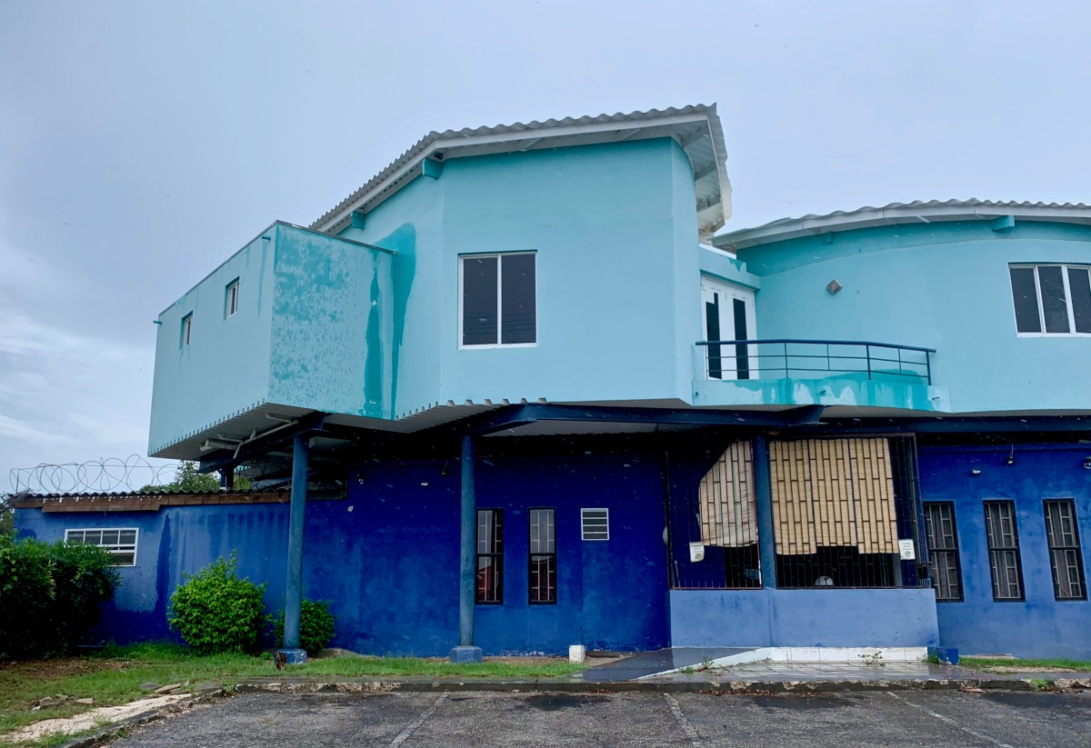 Curacao blue house