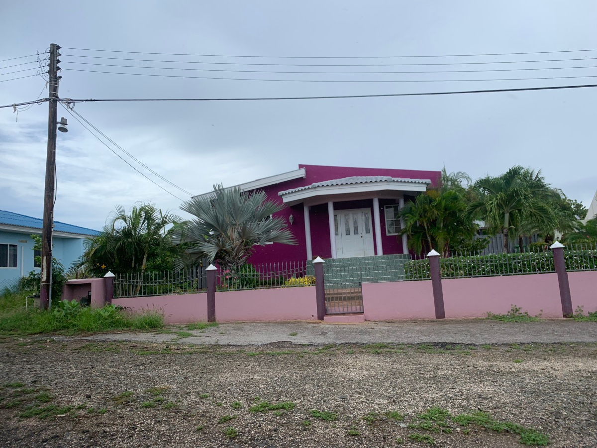 Curacao Purple house
