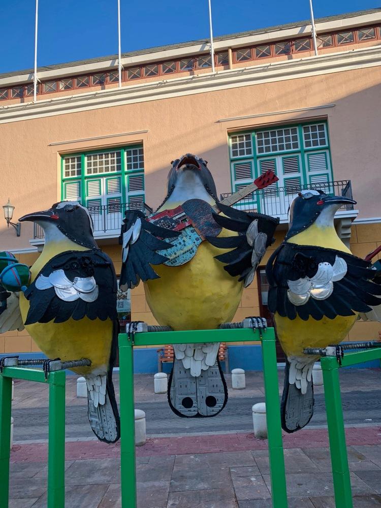 Punda three bird sculpture